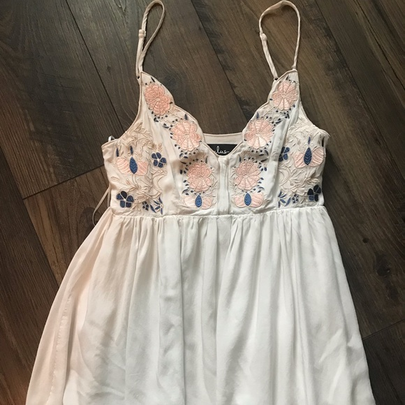 Lulu's Dresses & Skirts - White Mini Dress (Lulu's)